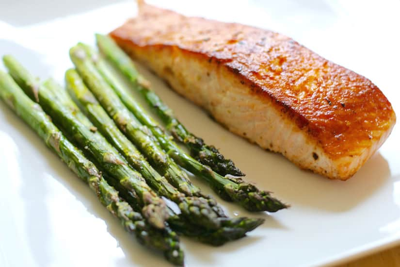oven roasted asparagus with salmon